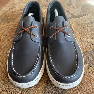 🆕 Sperry Cup 2 eye navy leather deck shoes.